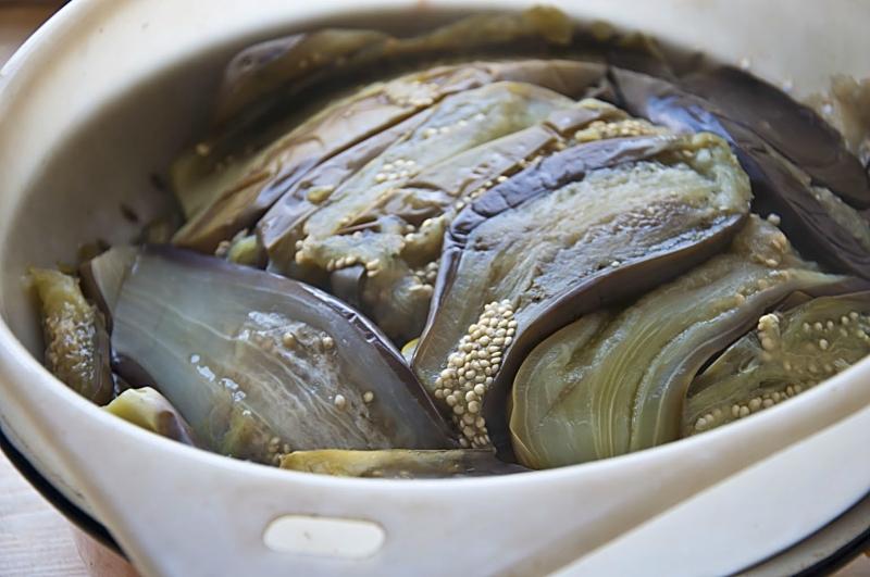 Рецепт квашенных баклажан с чесноком